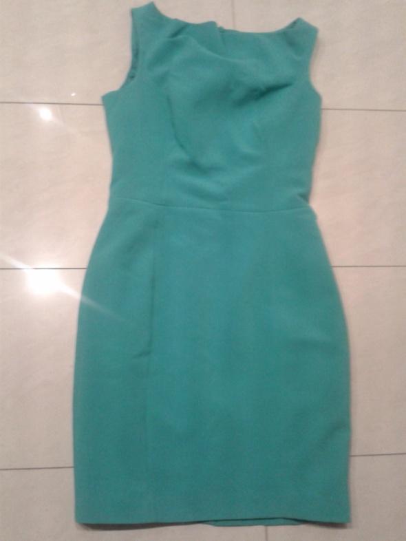 Zielona sukienka Mohito Ołówkowa klasyczna 36