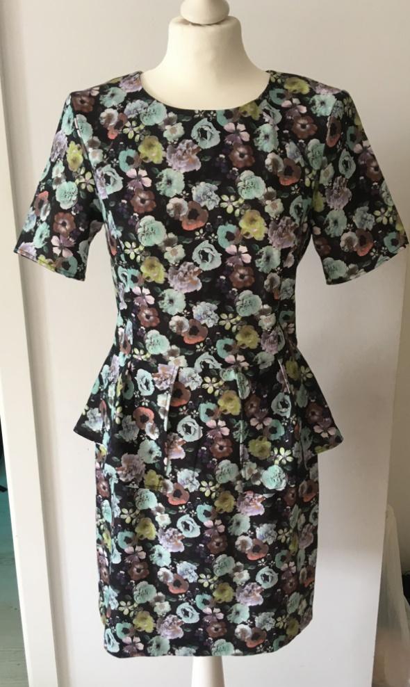 Sukienka kwiaty baskinka piękna 40 L jak nowa