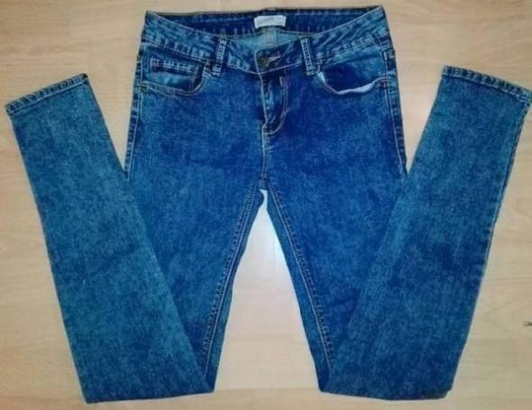 Pull&Bear spodnie jeansowe marmurkowe rurki wyższy stan...