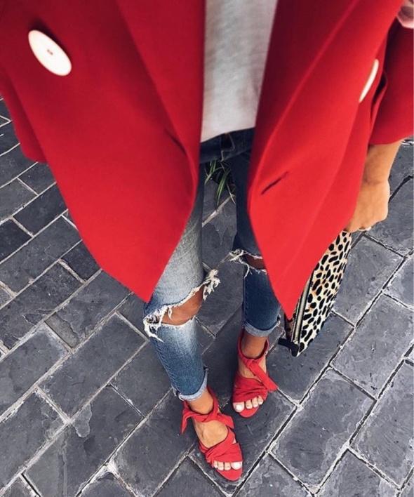 Czerwony plaszczyk