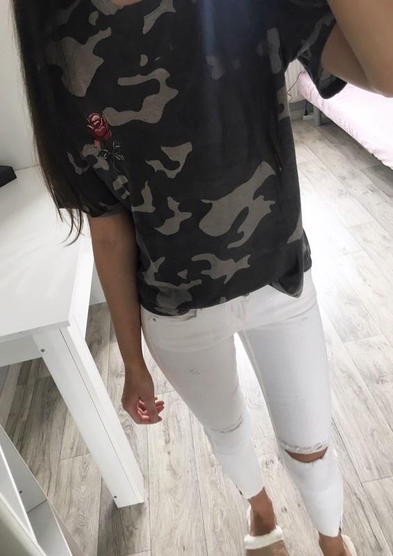 15a51215 Koszulka moro tshirt naszywka róża w T-shirt - Szafa.pl