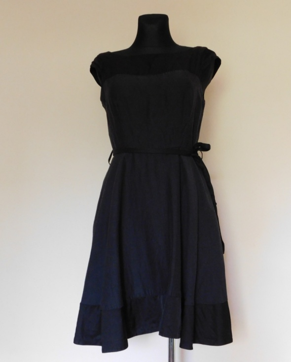 Oasis czarna sukienka rozkloszowana 38 40...