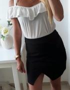 Czarna spódnica elegancka przekladana M