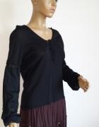 gotycka bluzka z bufastymi rękawami i gipiurą