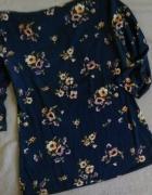 grnatowa bluzka w kwiaty