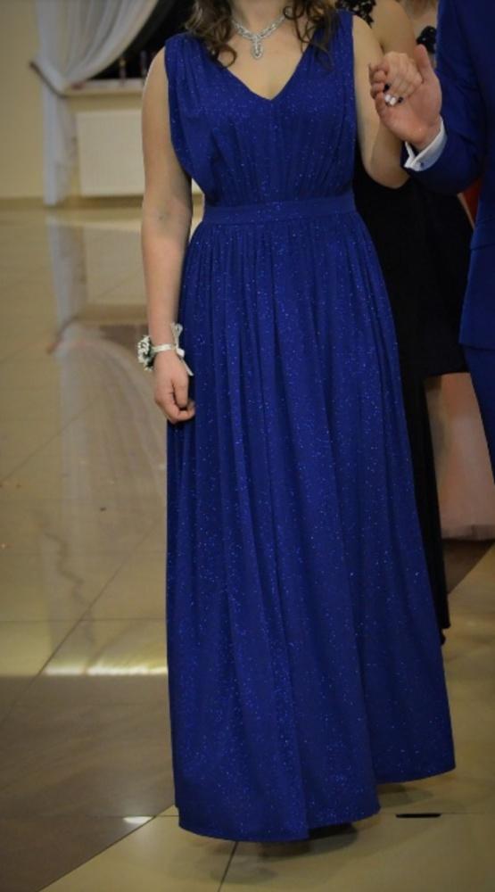 Chabrowa sukienka wieczorowa