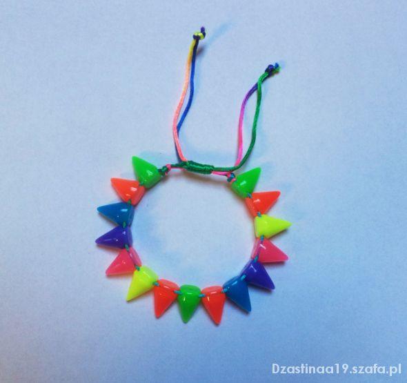 Kolorowa bransoletka z kolcami