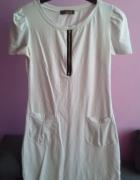 Biała sukieneczka