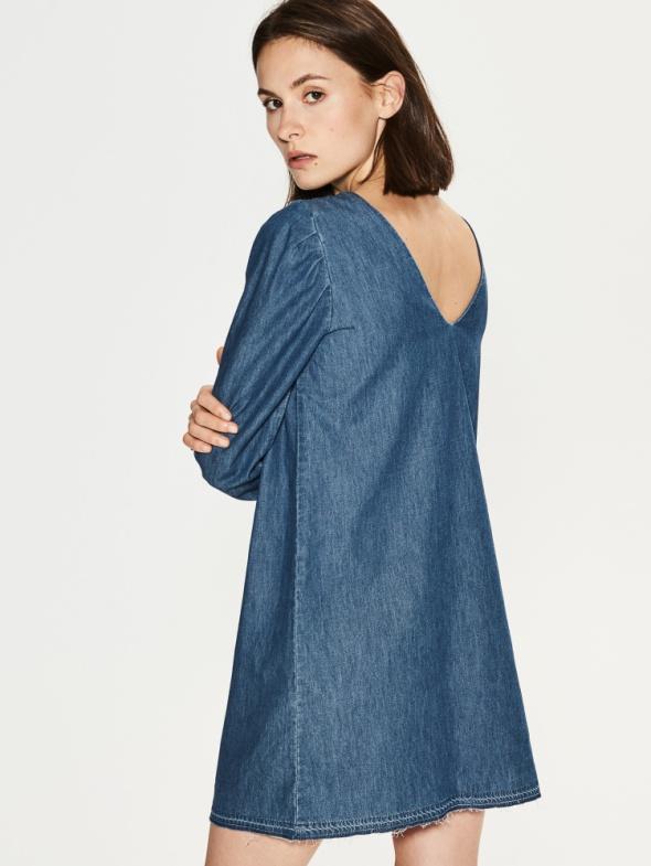 NOWA Jeansowa sukienka z wycietym dekoltem z tyłu...