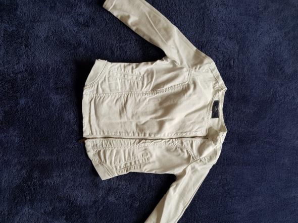 Biała asymetryczna jeansowa kurteczka Medicine