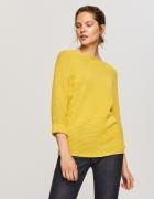 Żółty sweter...