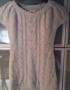dłuższy sweter damski na krótki rękaw