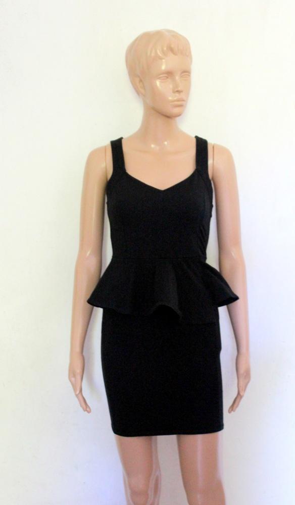 Czarna sukienka z baskinką mała czarna r M...