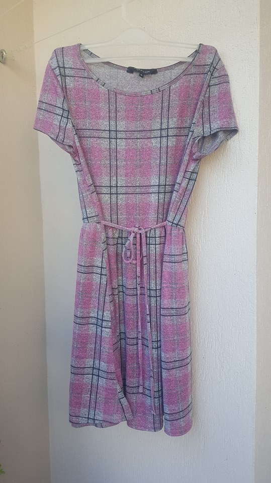 Sukienka na co dzień w kratę z krótkim rękawem New Look 14 42 XL