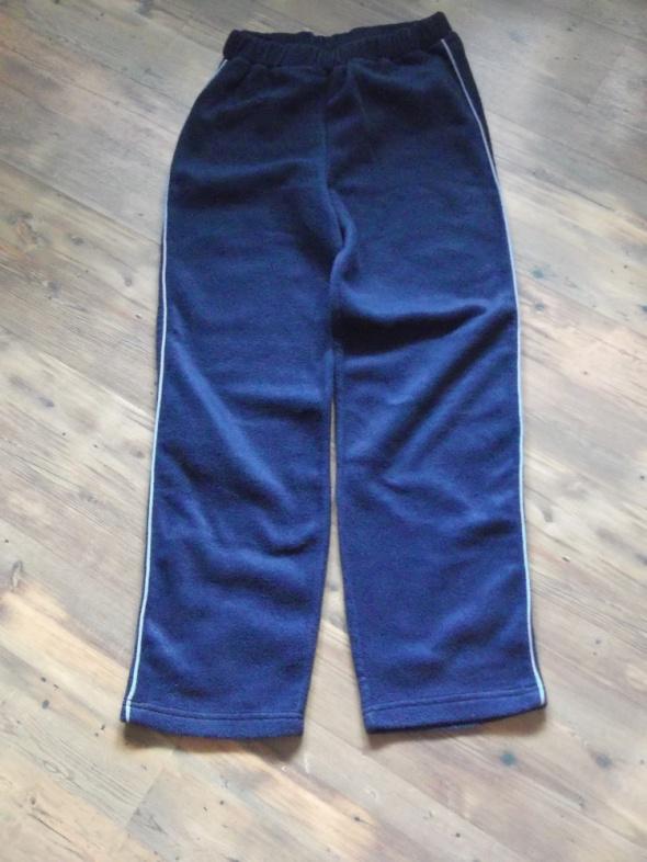 Spodnie rozmiar 152 Nowe...