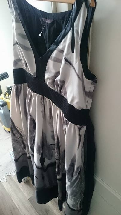sukienka na letnie wyjście 44