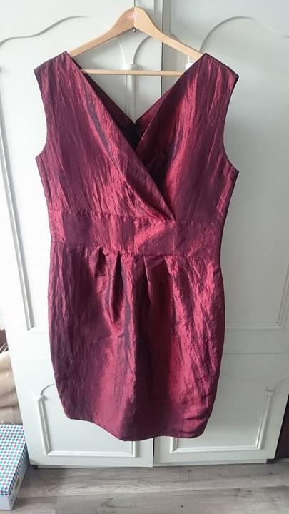 sukienka wizytowa czerwone wino