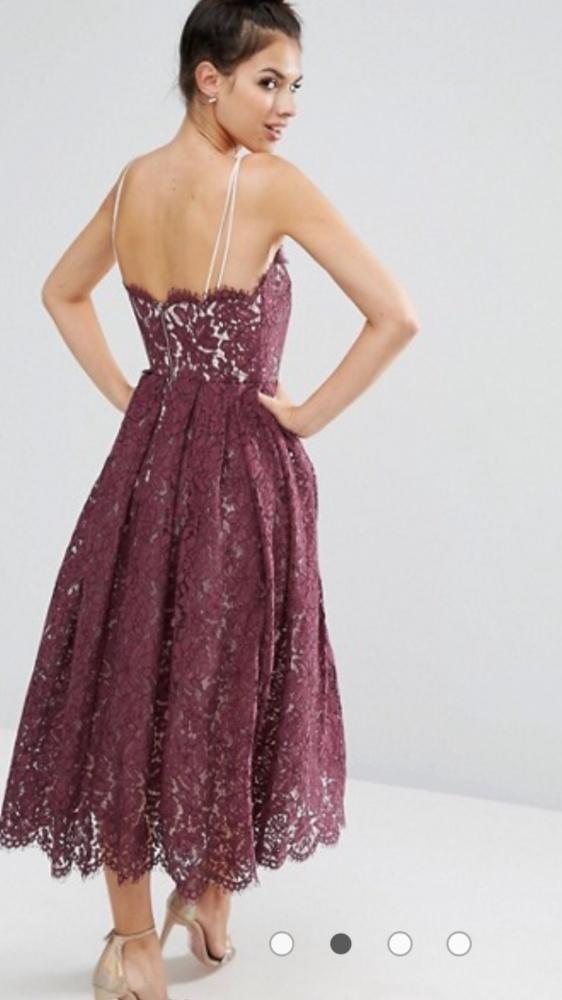 Koronkowa sukienka midi Asos...