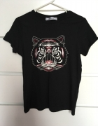 Czarna bluzka z tygrysem...