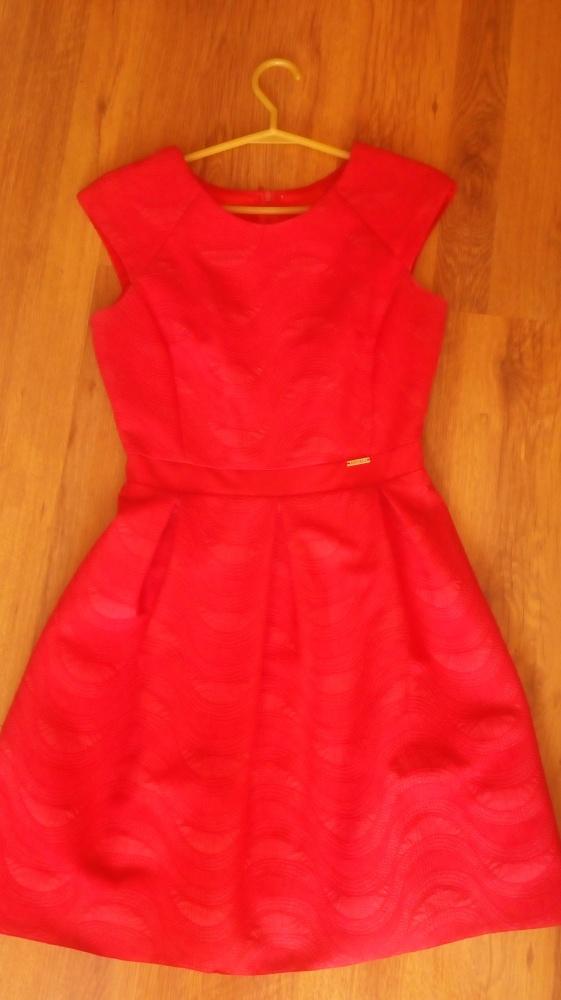 Czerwona sukienka M...