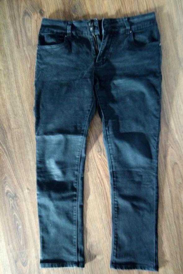 Czarne spodnie 31