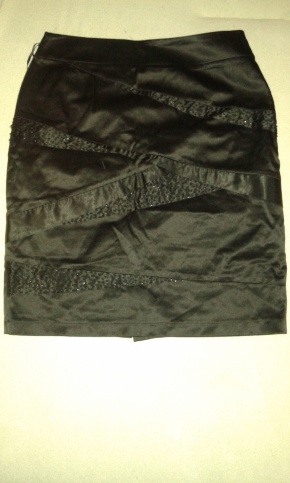 Spódnice Czarna spódnica z koralikami rozmiar 40