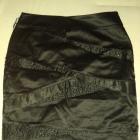 Czarna spódnica z koralikami rozmiar 40