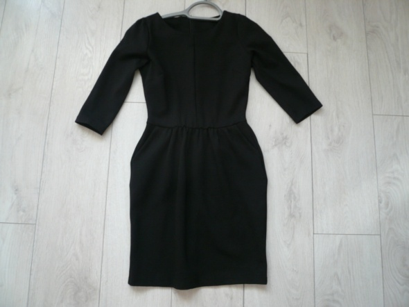 Suknie i sukienki mała czarna Stradivarius
