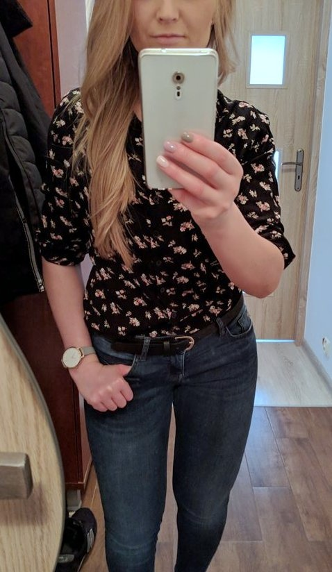 Czarna koszula w drobne kwiaty 36