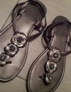 Sandalki Clara Barson...