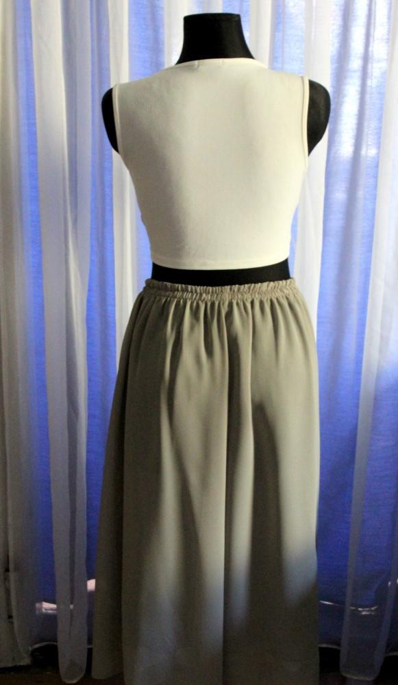 Zwiewna spódnica maxi na gumce kolor khaki r one size w