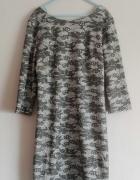 Klasyczna prosta sukienka wzory 34 XS wycięcie na plecach
