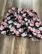 Spódnica w kwiatki...