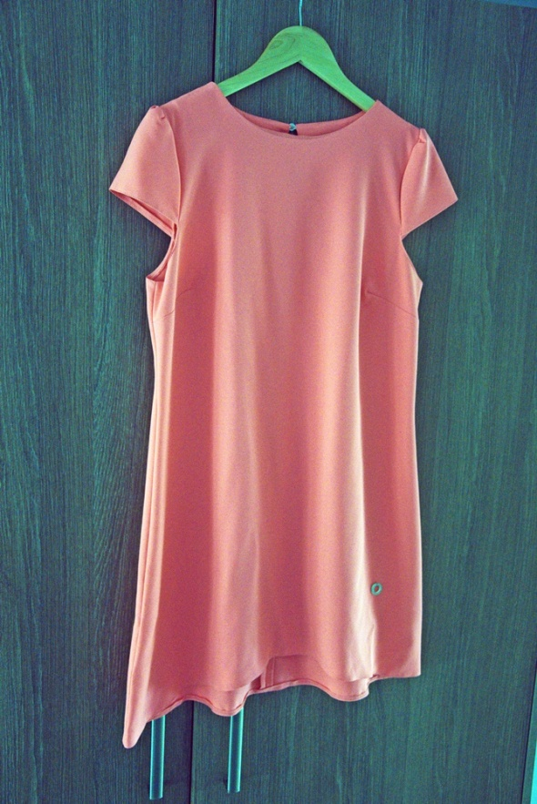 Neonowa sukienka wesele sylwester ostatki