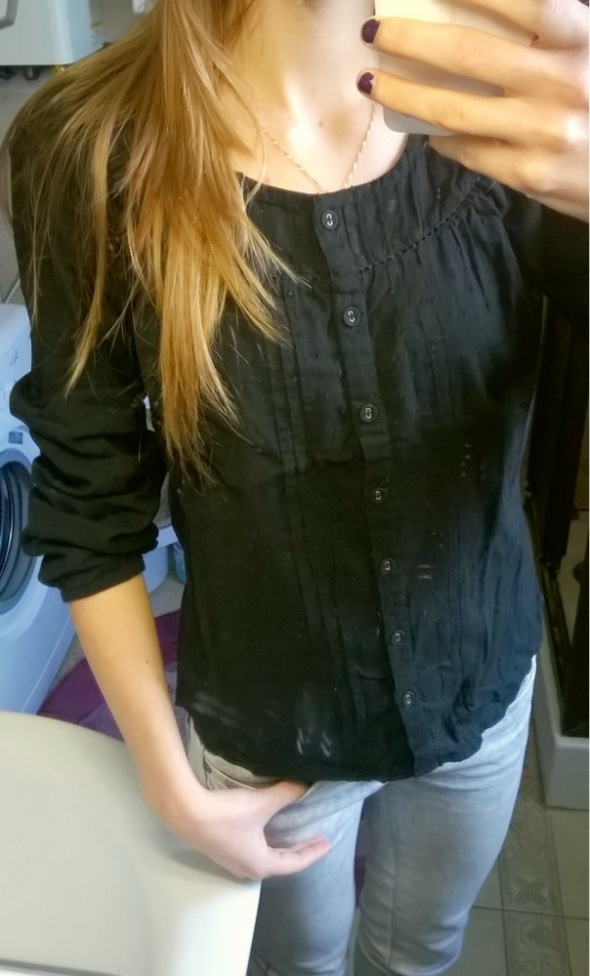 czarna koszula z wzorkami...