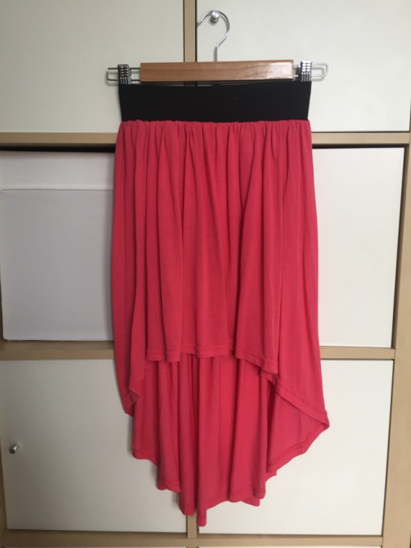 Asymetryczna malinowa spódnica M