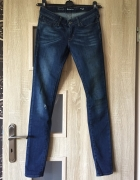 Jeansy Levis 26 S