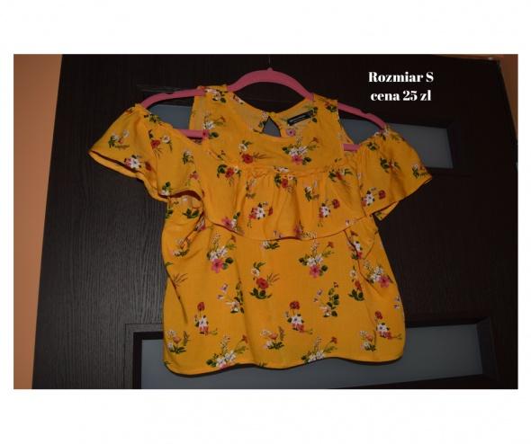 Musztardowa bluzeczka z opadajacymi ramionami...