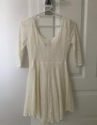 Sukienka koronkowa bershka S