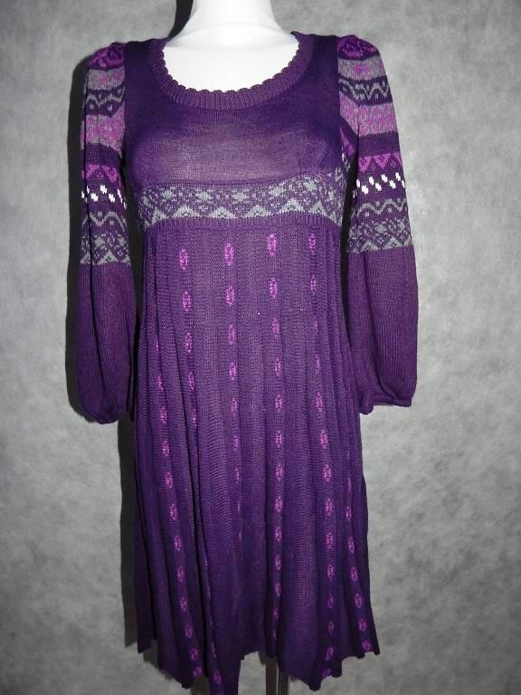 Fioletowa sukienka z dzianiny...