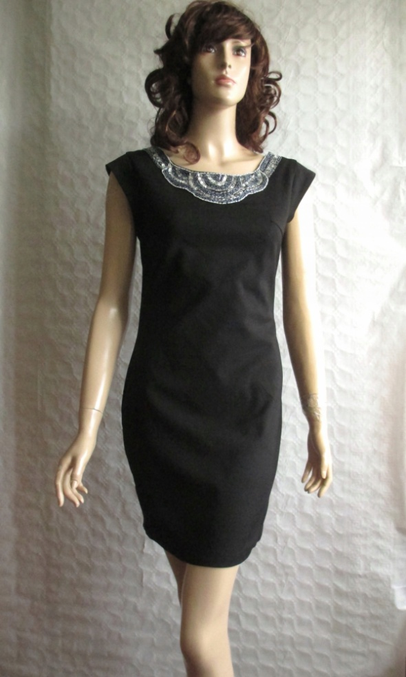 LULUMARY czarna sukienka dekolt kolia cekiny 36 38