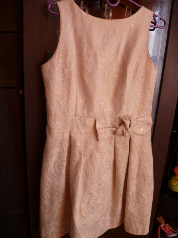Złota sukienka M