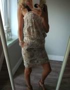 Sukienka jasna w goszki Mango...
