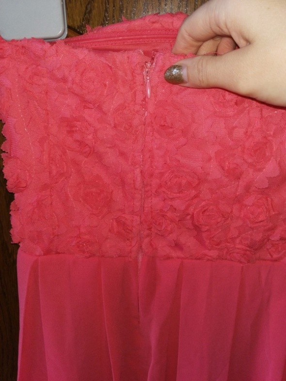 Amisu sukienka w różę 3d