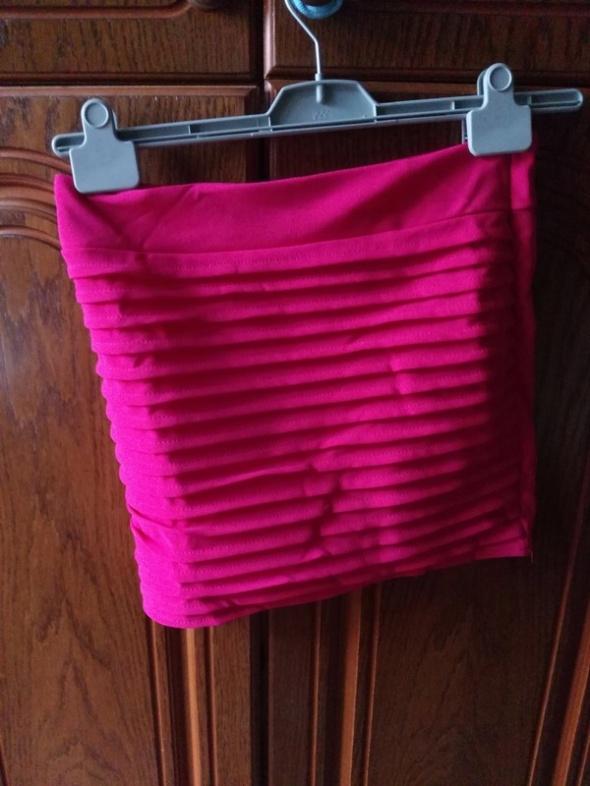 bandazowa rozowa spodniczka z metka