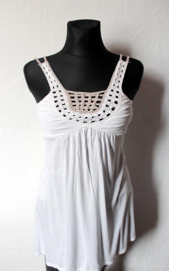 Biała bluzeczka na ramiączkach szydełkowa koronka r około S...