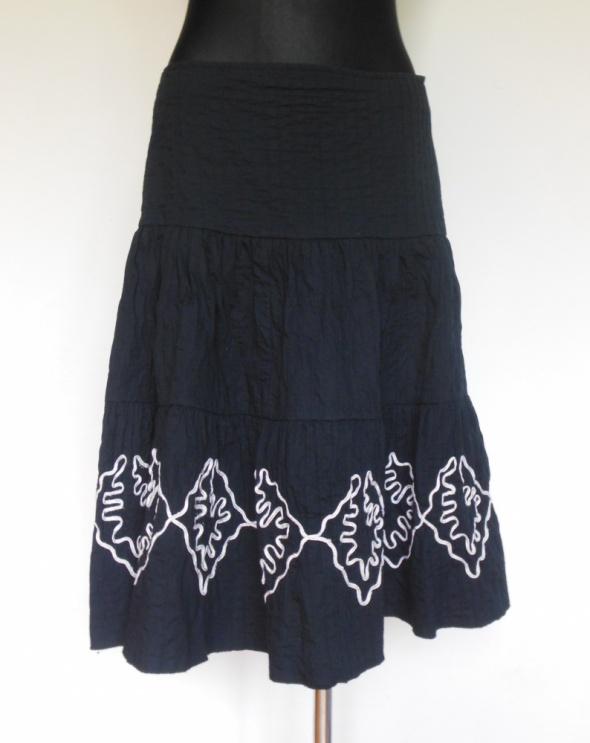 Papaya czarna rozkloszowana spódnica midi 40...