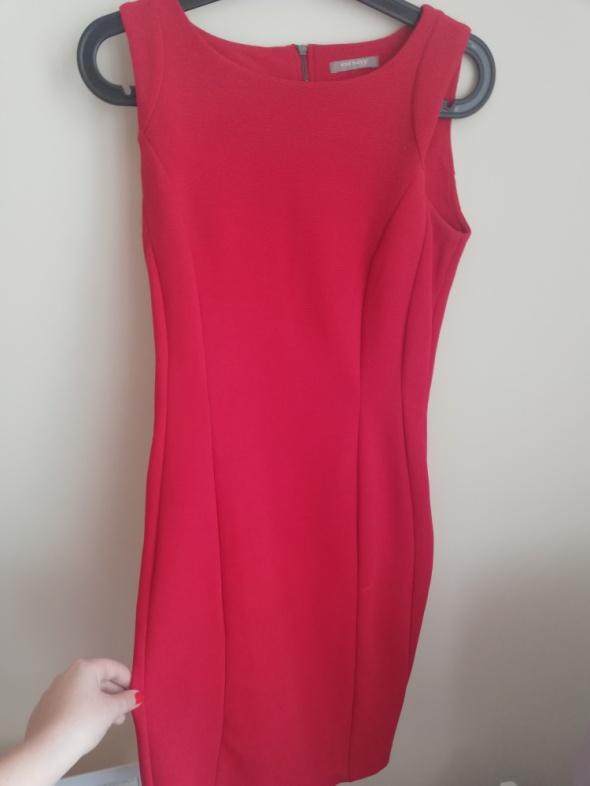 Czerwona sukienka Orsay...