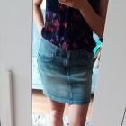 Jeansowa spódnica mini rozm 38 wytarty jeans z kieszeniami
