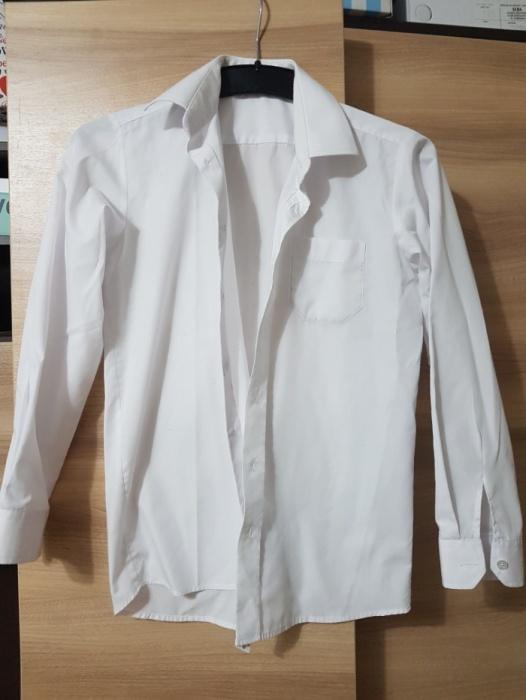 Biała koszula z długim rękawem dla chłopca rozm 152...